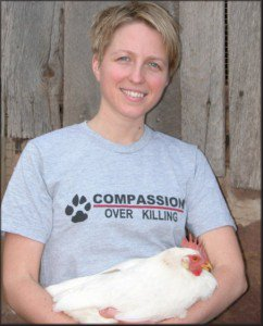 Erica Meier, COK Cal-Cruz Hatcheries investigation & Leanne Cronquist, Farm Sanctuary, seized ducklings